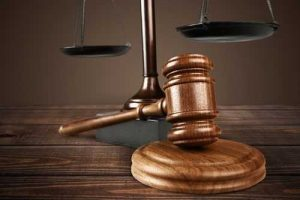 Por danos em veículo, concessionária de rodovia deve indenizar condutor   Juristas