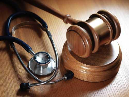 Mulher com artrose em quadris tem direito a cirurgia | Juristas