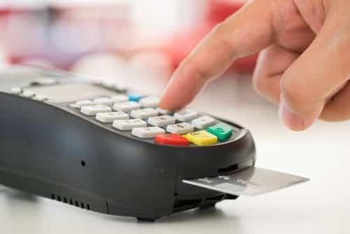 Empresa que não conferiu identidade do comprador terá que arcar com fraude em cartão de crédito | Juristas