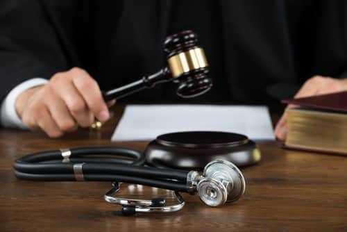 Doença degenerativa agravada no trabalho justifica indenização | Juristas