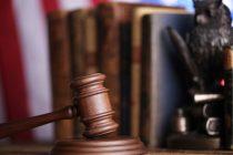 Justiça condena dupla que estacionou carro em vaga exclusiva e ainda agrediu taxista