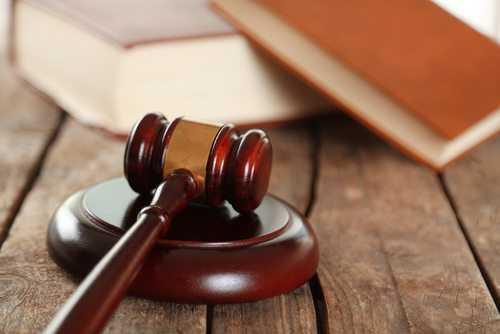Doutoranda da UFRGS obtém direito de acumular bolsa científica com trabalho remunerado em outra instituição   Juristas