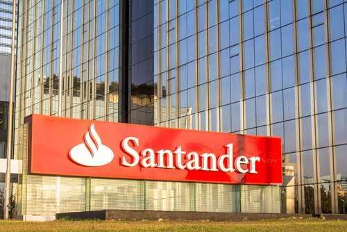 Banco Santander deve indenizar cliente que ficou meses sem cartão magnético | Juristas