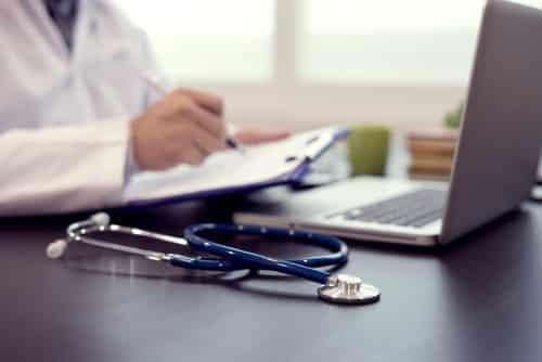 Hospital e médico condenados a pagar 140 mil reais em indenização por negligência à paciente grávida | Juristas