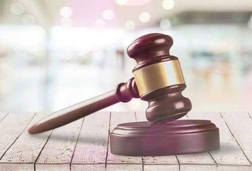 Faltas ao serviço sem justificativa por 30 dias consecutivos após término de licença caracterizam abandono de emprego | Juristas