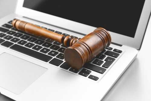 Justiça de Trabalho mantém justa causa aplicada a empregada por comentário em rede social 1