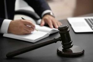 Mulher internada à força será indenizada por irmão e hospital psiquiátrico | Juristas