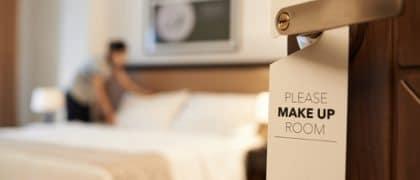 Camareira de motel consegue reversão de decisão e irá receber adicional de insalubridade juristas