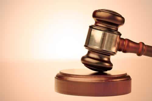 Funcionária da CEB denunciada por crime racial recebe absolvição imprópria