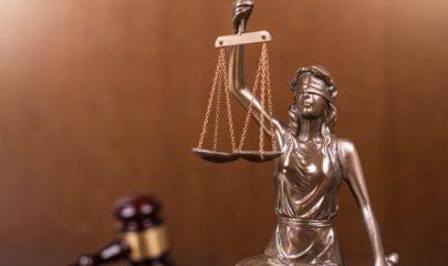 Rede de proteção em varanda não viola leis nem convenção condominial