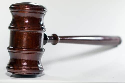 Eletricista demitido por justa causa ao se recusar a dirigir carro depredado recebe indenização | Juristas