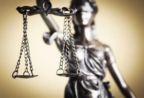 Jornal é condenado a indenizar por extrapolar direito de informação