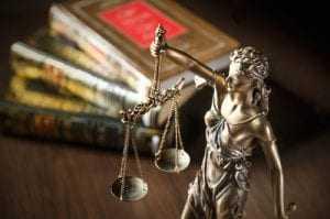 Desconto de imposto de renda de pessoa física (IRPF) sobre terço de férias gozadas é constitucional
