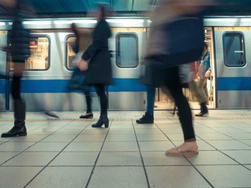 Ronda noturno das estações do MOVE agredido por usuários que se recusavam a pagar pelo uso de banheiros sujos receberá indenização | Juristas