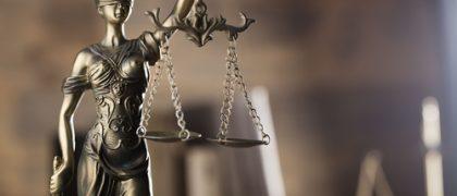 Policial condenado por improbidade tem aposentadoria cassada