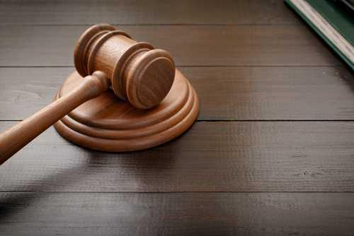 Judge1225076968