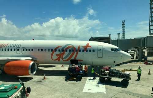 GOL Linhas Aéreas e Shoptime indenizarão família por atraso em voo internacional