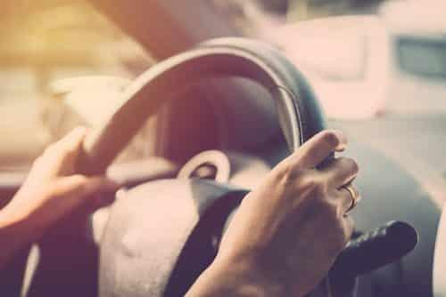 Motorista que teve seu CPF bloqueado por seguradora depois do roubo da carga que transportava será indenizado | Juristas
