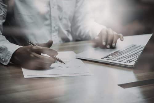 Advogado e escritório terão de pagar dano moral por publicidade enganosa | Juristas