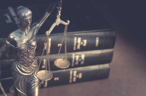 Juiz absolve decorador de casamentos acusado de estelionato