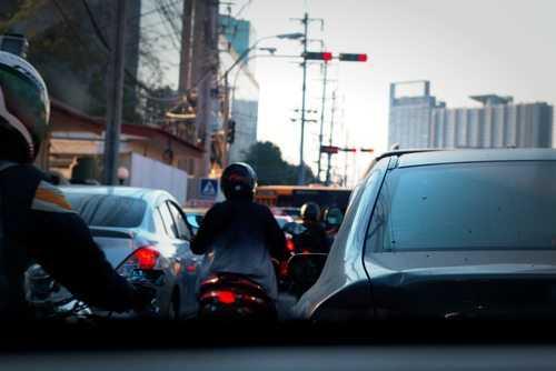 Chuva não caracteriza força maior para acidente de trabalho que teve como causa principal as más condições do veículo