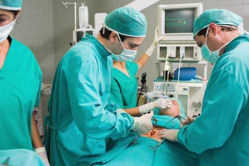 Pacientes operados pelo SUS, mesmo com certa demora, não têm direito a indenização