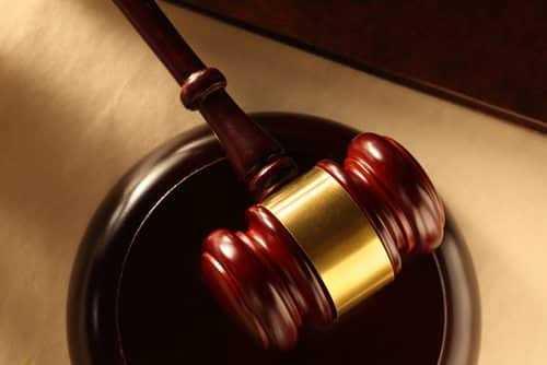 Trabalho como pessoa jurídica após contrato CLT na mesma empresa pode configurar vínculo empregatício