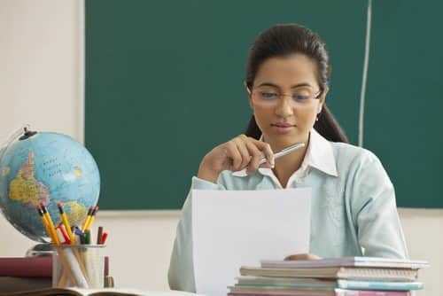 Professora difamada por alunos em rede social será indenizada