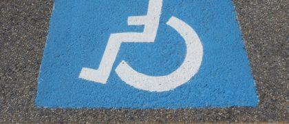 TJ mantém liminar para escola ter acessibilidade em estacionamento