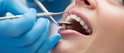 Dentista consegue reconhecimento de vínculo de emprego com clínica odontológica