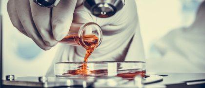 Laboratório é condenado por não fazer contatos necessários com cliente