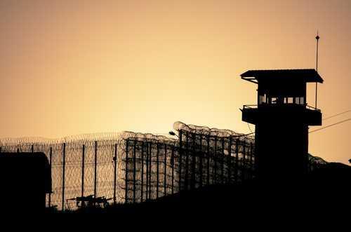 Polícia descobre túnel para fuga de detentos da Cadeia Pública de Porto Alegre