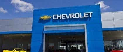 GM deve admitir adesão a PDV de empregado excluído por estar em aviso prévio
