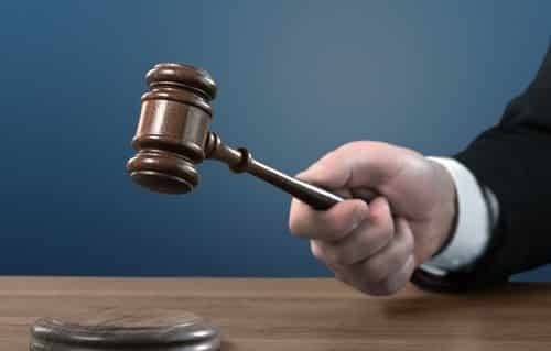 TST susta bloqueio na conta-salário de vendedora que recebeu dinheiro a mais em execução