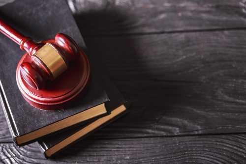 Banco do Brasil deve reintegrar funcionário demitido sem processo legal