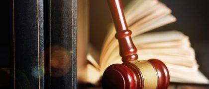 Justiça autoriza transexual a mudar nome no registro de nascimento