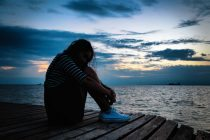 TRT18 julga dispensa discriminatória e manda reintegrar empregada com depressão