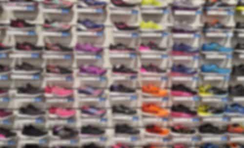 Confusão em loja de calçados: dano moral a mulher acusada de furto em shopping | Juristas