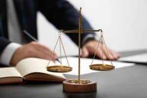 Autora é condenada por tentar burlar limite do valor da causa dos Juizados Especiais