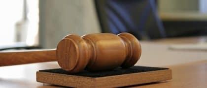 Empresa é condenada por pagar verbas rescisórias com cheques sem fundos