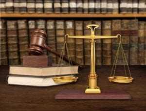 Deputada distrital é condenada a pagar multa por desfiliação no curso do mandato