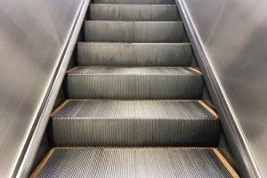 Queda de cadeirante em estação do metrô gera dever de indenizar