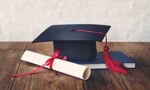 Universidade inglesa inicia processo para concessão de bolsas de estudo