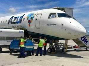 Azul Linhas Aéreas deve indenizar passageiro por cancelamento e remarcação de voo | Juristas