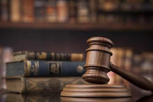 Advogada condenada por estelionato é suspensa de exercício profissional