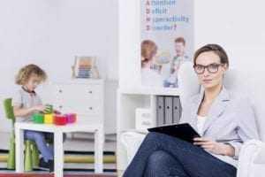 Conselhos de Psicologia não podem proibir profissionais de intermediar inquirição de crianças e adolescentes na Justiça