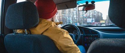 Cabe ao município estabelecer requisito autorizador da exploração do serviço de táxi