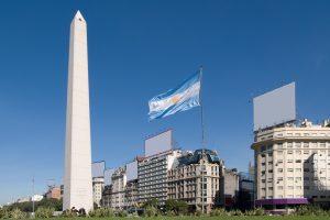 Pai pagará pensão alimentícia para filha que cursa universidade em Buenos Aires