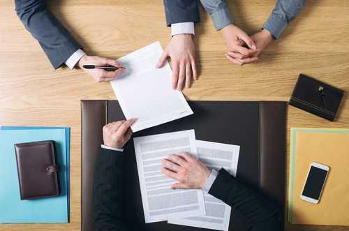 Suspenso julgamento sobre licitação para serviços de advocacia