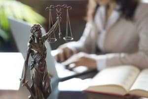 Advogados que receberam honorários de sucumbência devem integrar polo passivo da ação rescisória | Juristas